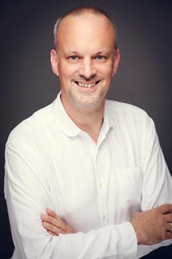 Uwe Broeske grüßt als Director Business Development bei Reppublika – Foto: PicturePeople / Reppublika