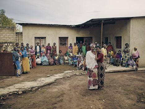 Bild aus dem Fotoband 'Rwandan Daughters' -  Nyanza, October 2018 (Foto: Olaf Heine)