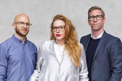 Foto v.l.n.r.: Timo Pasternak (Unit Director Düsseldorf), Jennifer Herzog (Unit Director Düsseldorf), Meik Vogler (Geschäftsführer Beratung)
