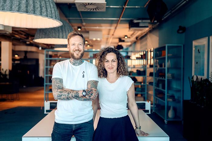 Sven Wiesner und Anna Stadie geben Starthilfe für innovative Tech-Projekte (Foto: Neon Gold)